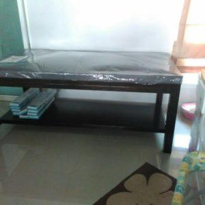 เตียงสูงกายภาพแบบมีชั้นวางของ /  Physical tall bed with shelf