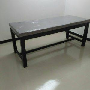 เตียงกายภาพแบบสูง พร้อมเบาะ / Tall physical bed with cushion